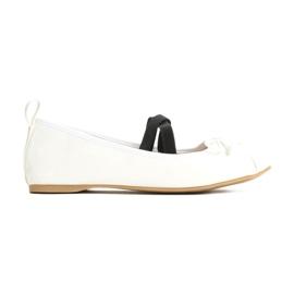 Vices 8190-41 White 36 41 białe czarne