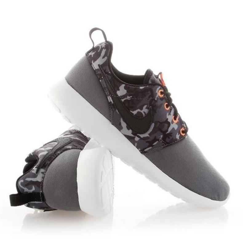 Buty Nike Roshe One Print Jr 677782-004 białe