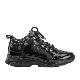 Czarne sneakersy na koturnie Giovanna