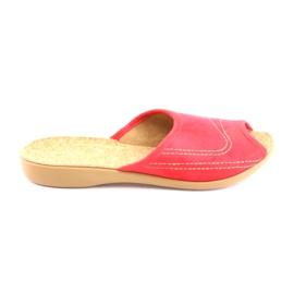 Czerwone Befado obuwie damskie kapcie klapki 254d008