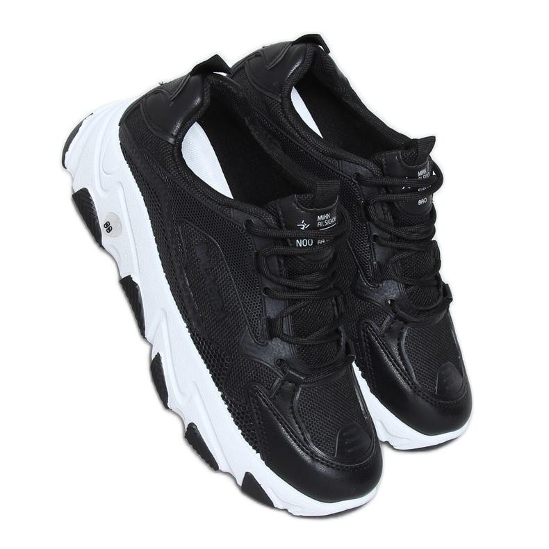Buty sportowe damskie czarne NB373P Black