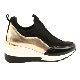 Wsuwane Sneakersy na koturnie Evento 21PB35-4000 czarne złoty