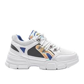 Białe sneakersy sportowe Karla