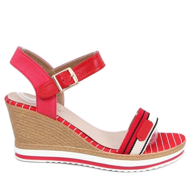 Sandałki na koturnie czerwone A89832 Red
