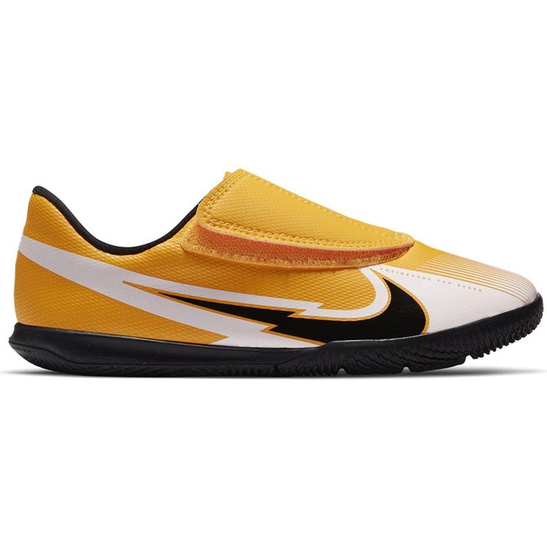 Buty piłkarskie Nike Mercurial Vapor 13 Club Ic PS(V) Junior AT8170 801 białe czarne pomarańczowe
