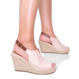 Beżowe sandały na koturnie Lindy beżowy