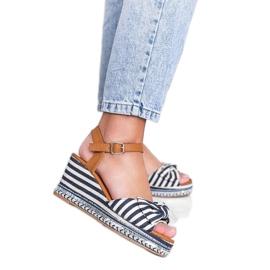 Niebiesko białe sandały na koturnie Dulce niebieskie