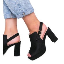 Czarne sandały na słupku Lordly