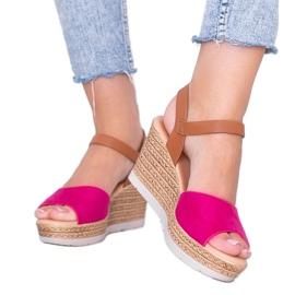 Różowe sandały na koturnie Roki