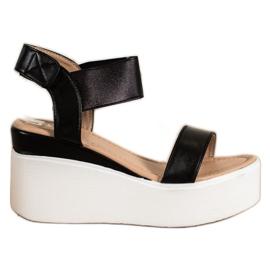 Small Swan Sandałki Na Koturnie Fashion czarne