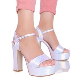 Srebrne holograficzne sandały na słupku Diane srebrny