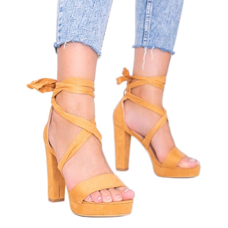 Camelowe sandały wiązane Ginny brązowe