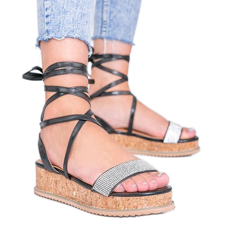 Czarne sandały wiązane z cyrkoniami Ves