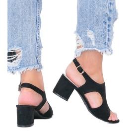 Czarne sandały na niskim słupku Buenna