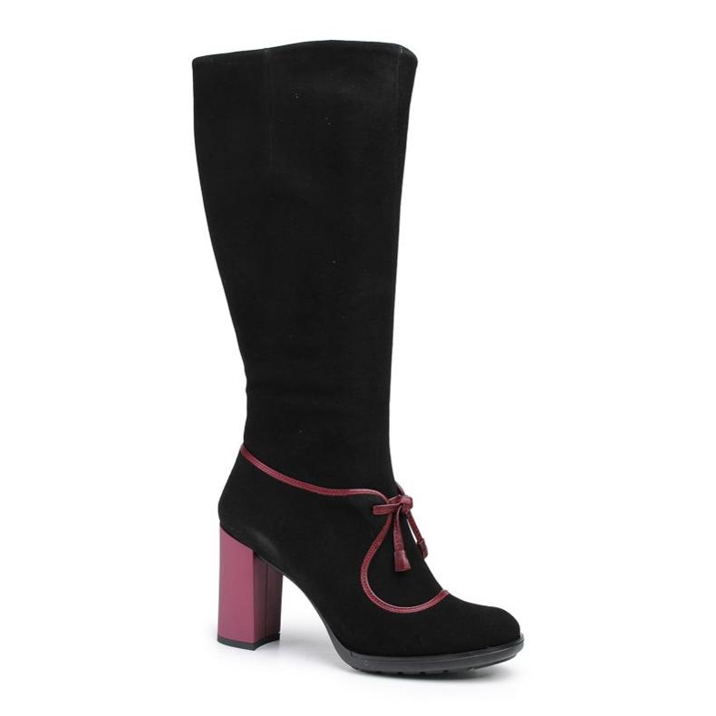 Marco Shoes Skórzane kozaki z czarnego zamszu z fioletowym obcasem oraz fioletowymi wstawkami fioletowe