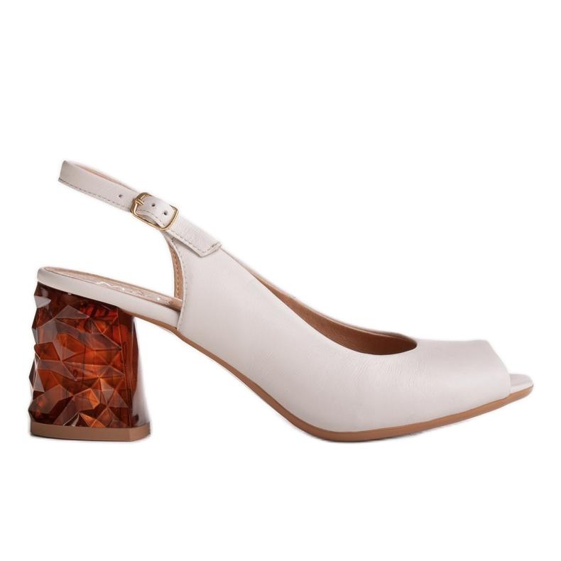 Marco Shoes Skórzane sandały białe z obcasem 3D 1517P