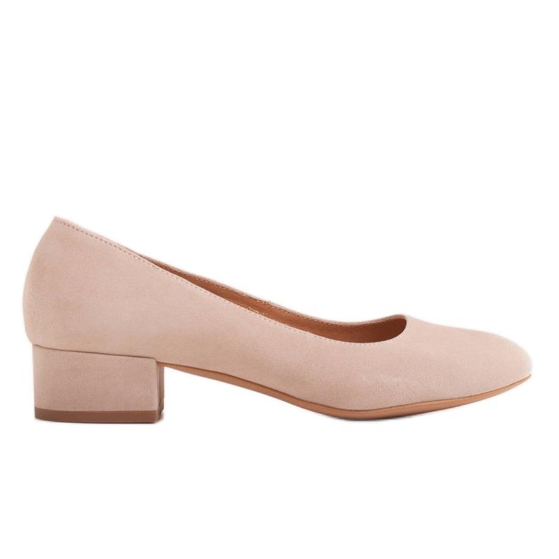 Radoskór Klasyczne beżowe czółenka damskie na szerszą stopę beżowy