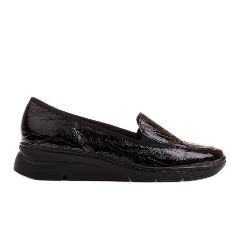 Radoskór Wygodne czarne mokasyny damskie na szerszą stopę
