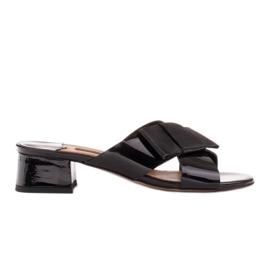 Marco Shoes Eleganckie klapki damskie ze wstążką czarne