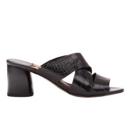Marco Shoes Skórzane klapki damskie ze skóry w pocięte pasy czarne