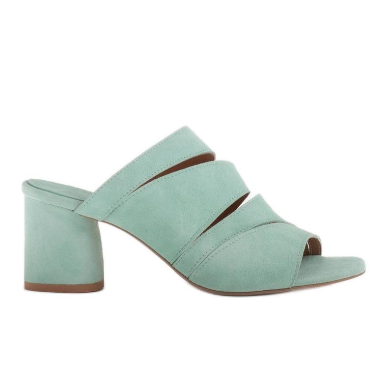 Marco Shoes Klapki damskie ze skóry, pocięte pasy zielone