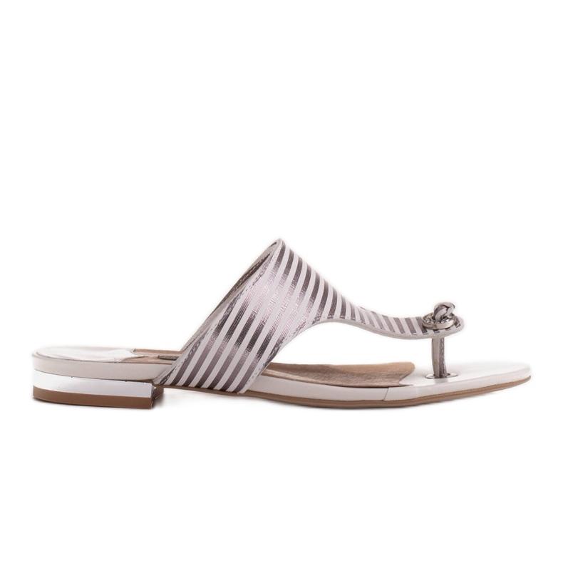Marco Shoes Płaskie sandały z lakieru i metalicznym obcasem białe srebrny