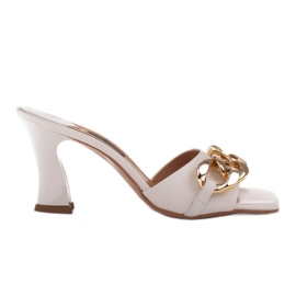Marco Shoes Klapki damskie ze skóry z łańcuchem ozdobnym beżowy