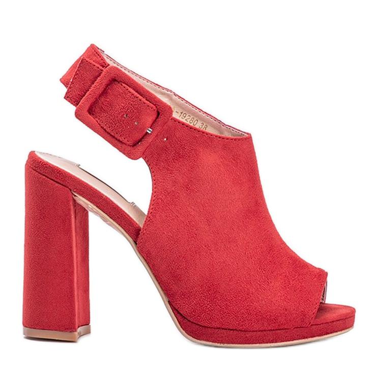 Czerwone sandały z cholewką Little Italy