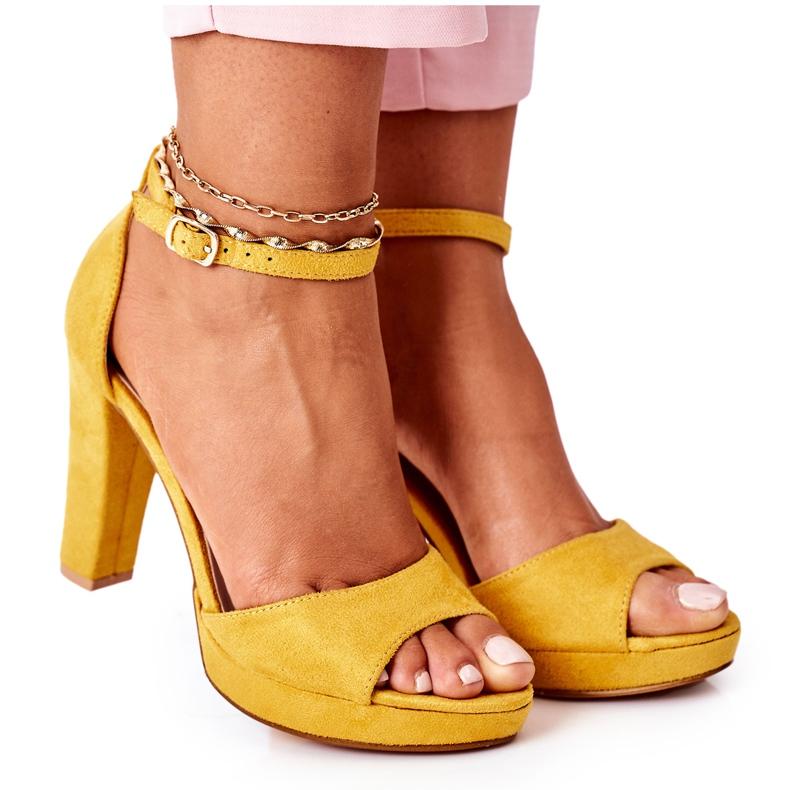 PW1 Zamszowe Sandały Na Słupku Żółte Sarah