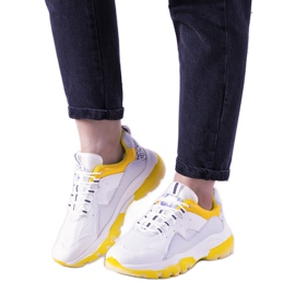 Biało żółte sneakersy z podeszwą ombre Laugh białe