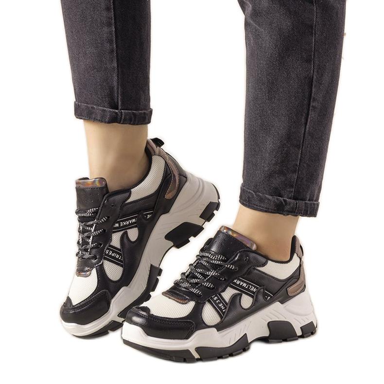 Czarne sneakersy z holograficznymi wstawkami Allisone