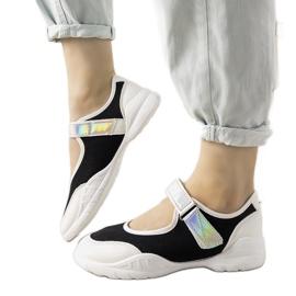 Czarno białe obuwie sportowe z holograficzną wstawką Melania czarne