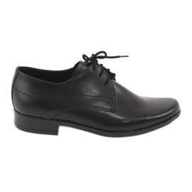 Czarne matowe buty dziecięce komunijne Gregors 429