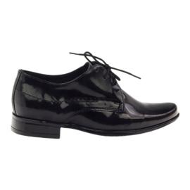 Czarne lakierowane buty dziecięce komunijne Gregors 429