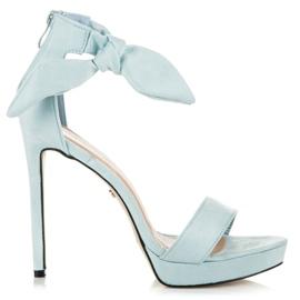 Ideal Shoes Zamszowe sandałki z kokardką niebieskie