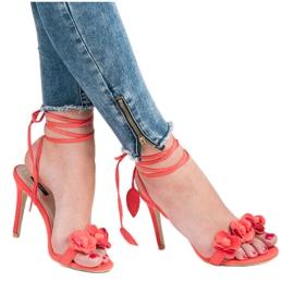 Vices Wiązane sandałki z kwiatuszkami czerwone