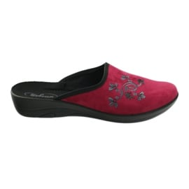 Befado obuwie damskie kapcie klapki 552D004 czerwone