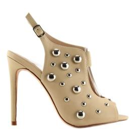 Brązowe Sandałki z ćwiekami beżowe 708-11 Beige