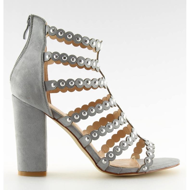 Sandałki na obcasie z ćwiekami szare grey