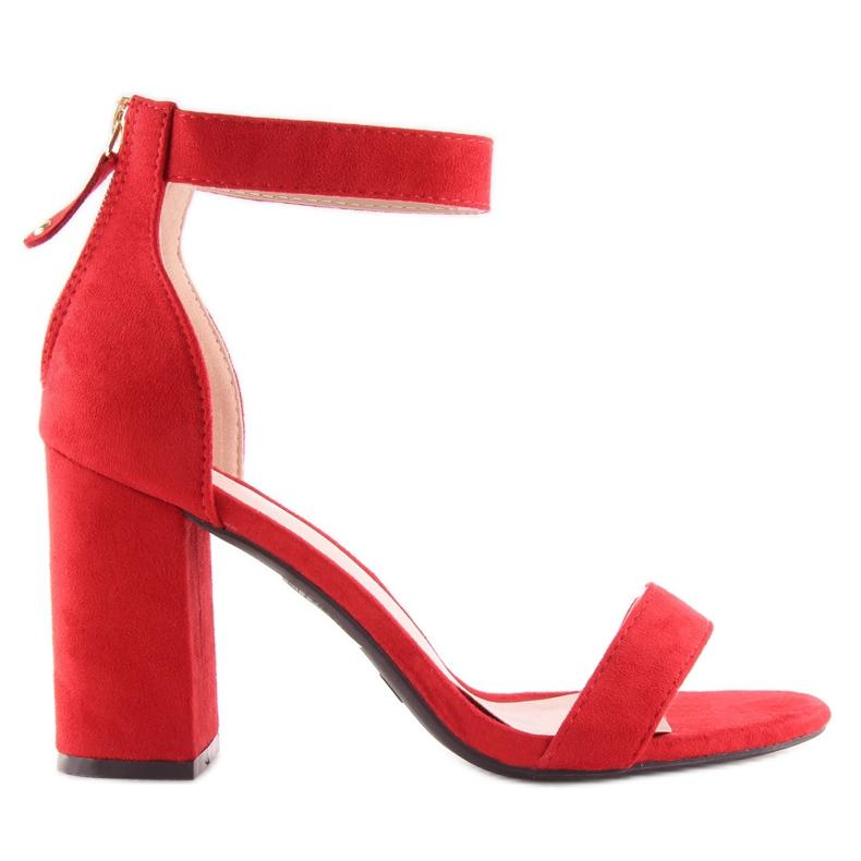 Sandałki nad szerokim obcasie czerwone red