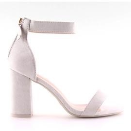 Sandałki nad szerokim obcasie szare grey