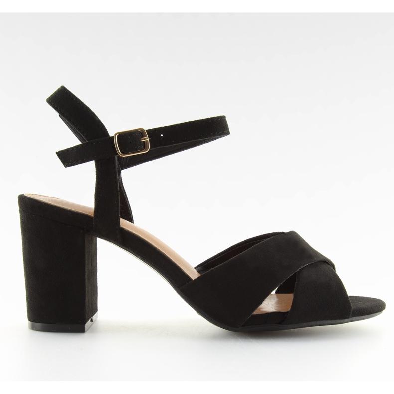 Sandałki na szerokim obcasie czarne 100