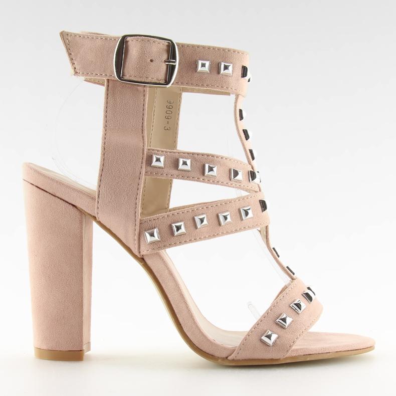 Sandałki na słupku z ćwiekami różowe 9909-3