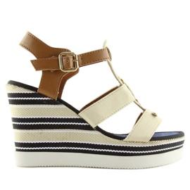 Sandałki na koturnie beżowe YQ05 Beige beżowy