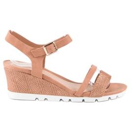 Ideal Shoes Różowe sandały na koturnie
