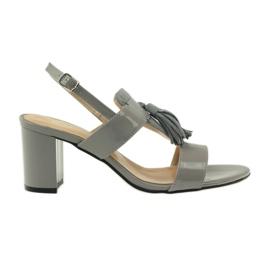 Sandały z frędzelkami Sagan 53224 szare