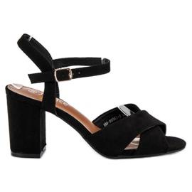 Wygodne sandały na słupku czarne