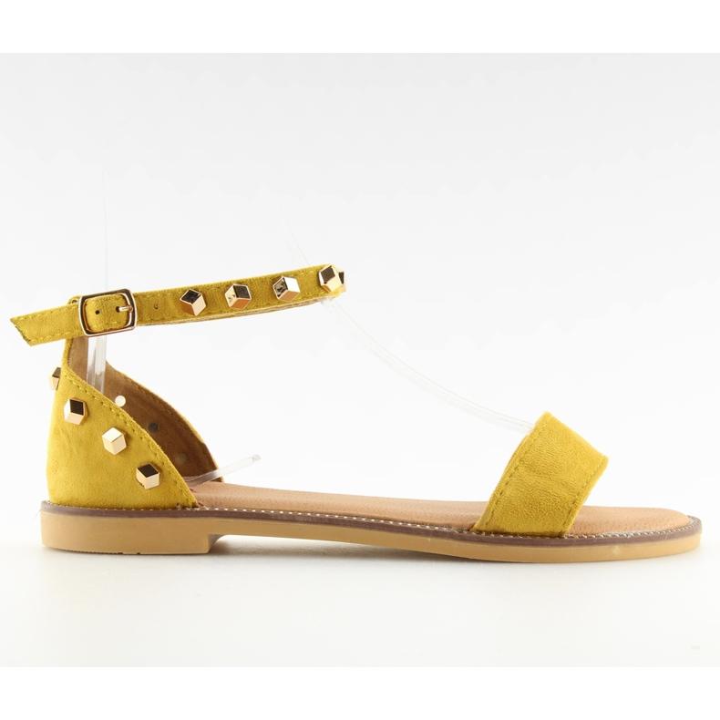 Sandałki z ćwiekami żółte 117-11 Yellow