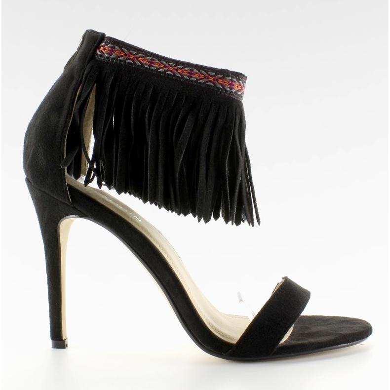 Sandałki z frędzlami etniczny wzór GD-16-5247 Black czarne