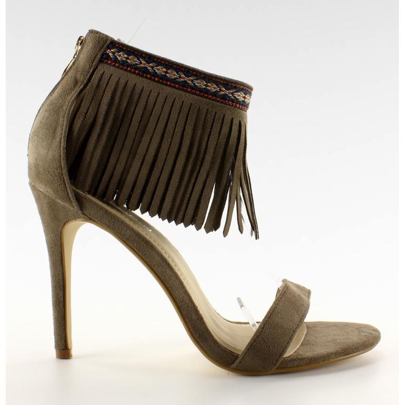 Sandałki z frędzlami etniczny wzór GD-16-52 brązowe